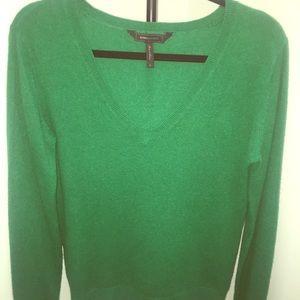 BCBG Maxazaria Kelly green 100% cashmere sweater